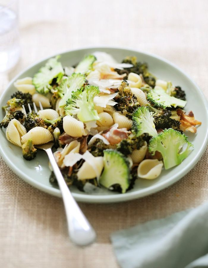 Pâtes aux brocolis crus-cuits