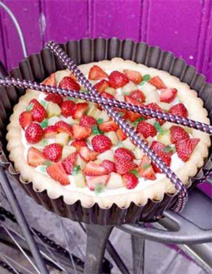 Tartes aux fraises, rhubarbe, angélique