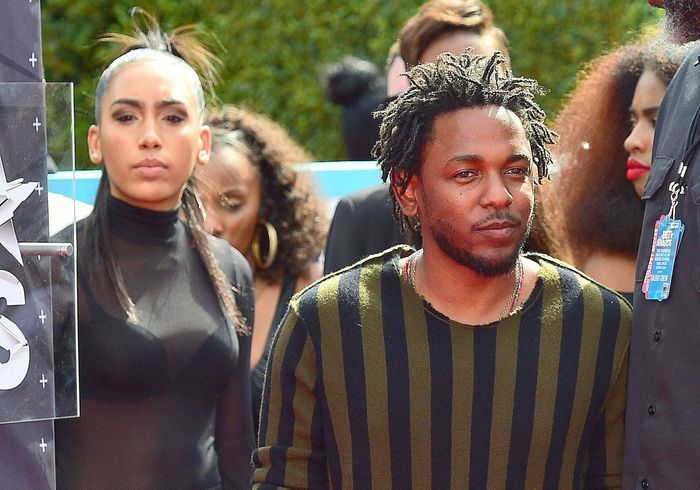 il est mari kendrick lamar qui est ce rappeur qui aime eminem obama et taylor swift elle. Black Bedroom Furniture Sets. Home Design Ideas