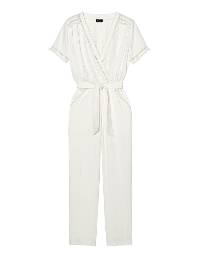 combinaison blanche t kooka 30 combinaisons blanches pour moderniser la robe de mari e elle. Black Bedroom Furniture Sets. Home Design Ideas