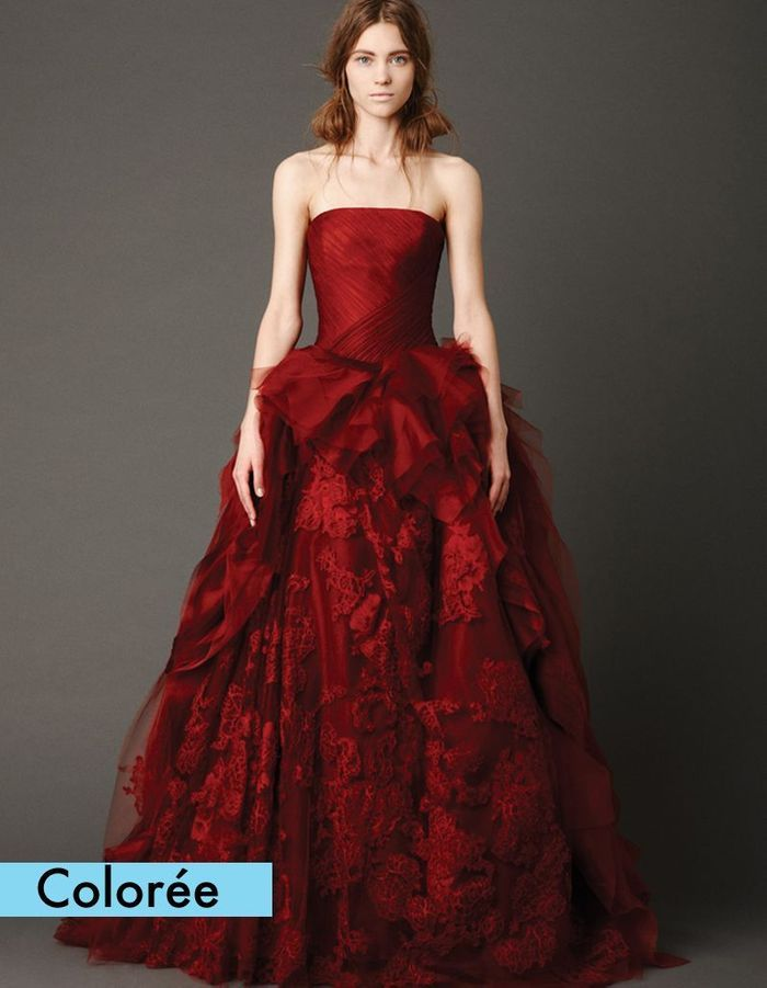robe bustier rouge vera wang 50 robes de mari e qui. Black Bedroom Furniture Sets. Home Design Ideas