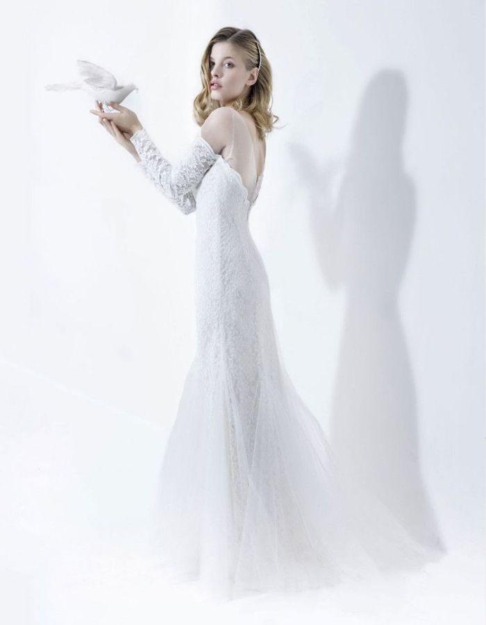 robe de mari e hiver 2016 22 robes de mari e d hiver blouissantes elle. Black Bedroom Furniture Sets. Home Design Ideas