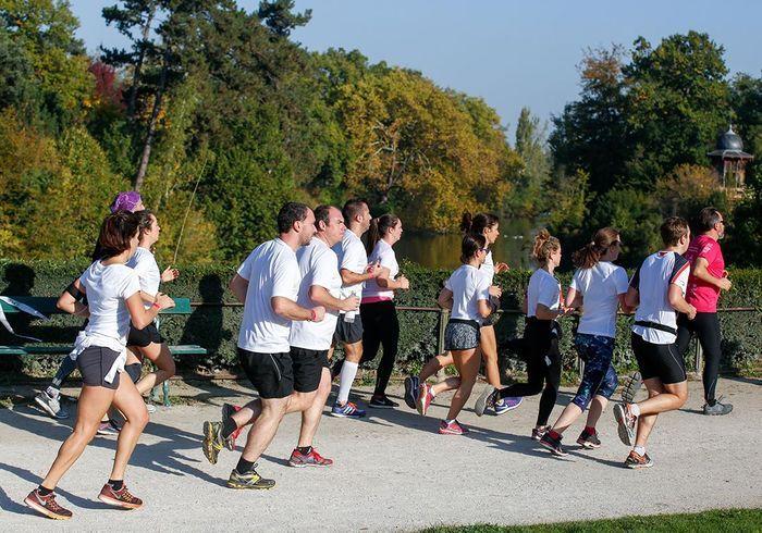 Les coureurs investissent le magnifique Bois de Boulogne