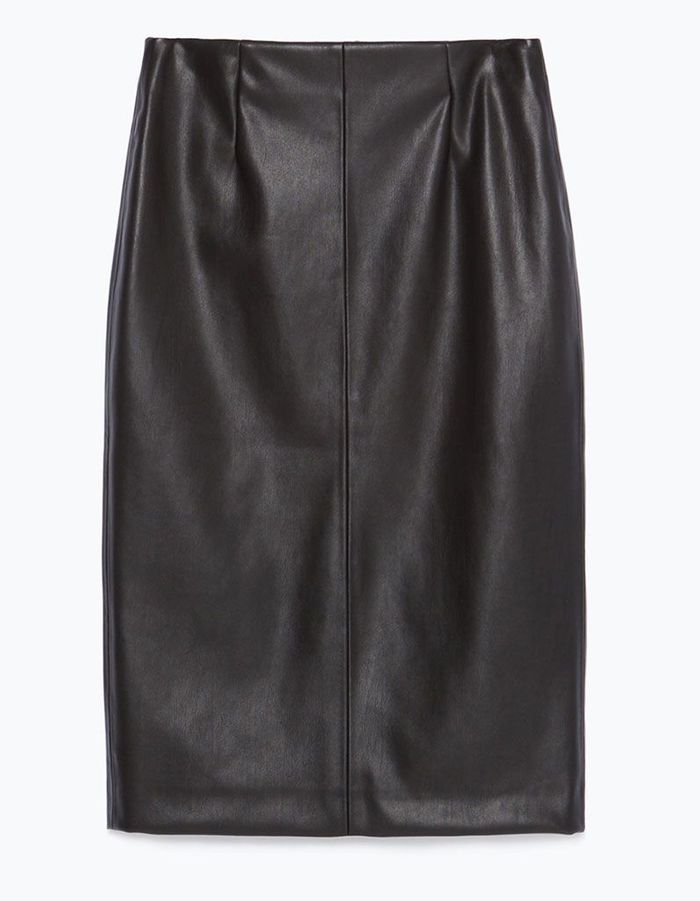 jupe droite zara chic et sexy on s offre une jupe droite elle. Black Bedroom Furniture Sets. Home Design Ideas