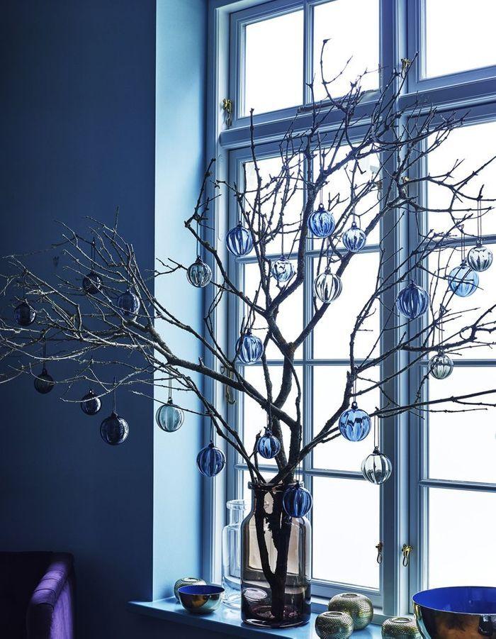 No l on d core la maison avec des branches de sapin dans - Odeur de sapin dans la maison ...