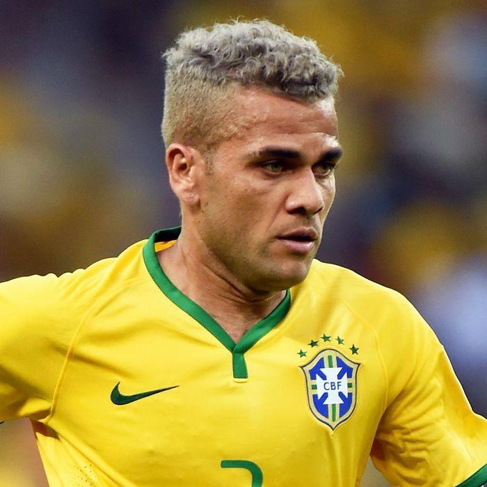 Coupe de cheveux dani alves prosperie robyn blog for Neymar 2014 coupe de cheveux