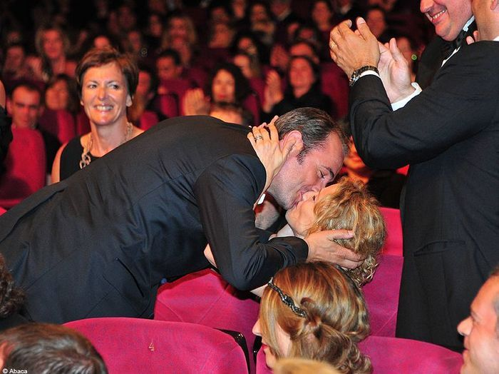 2011 jean dujardin et alexandra lamy retour sur la for Dujardin qui imite de niro