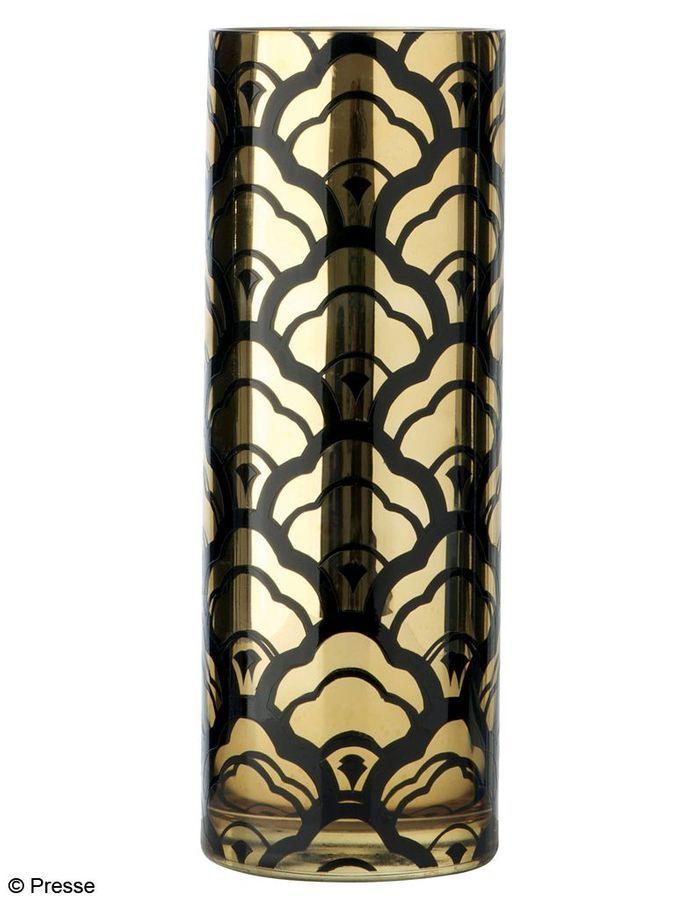 vase en verre d poli or et noir marks and spencer e shopping de cadeaux d co moins de 100. Black Bedroom Furniture Sets. Home Design Ideas