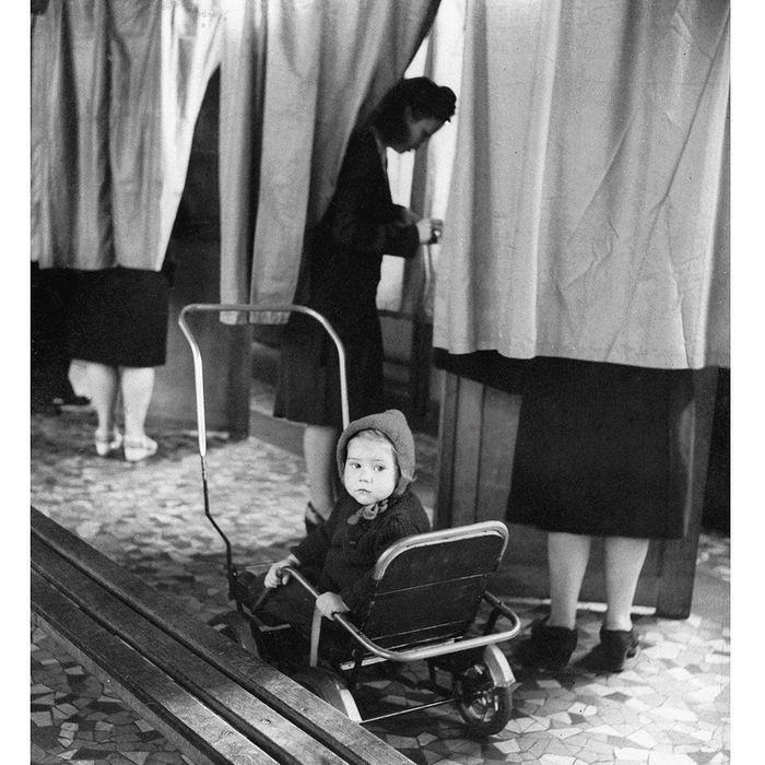le droit de vote des femmes 10 victoires pour les femmes en 10 images elle. Black Bedroom Furniture Sets. Home Design Ideas