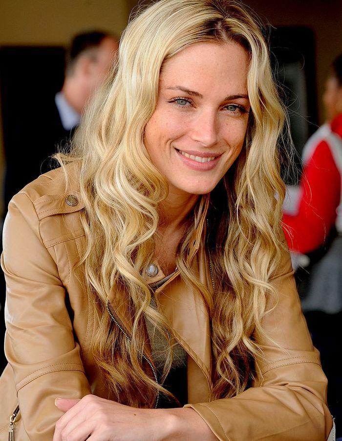 Reeva steenkamp morte sous les balles d 39 oscar pistorius les femmes de la semaine kate - Femme morte sous les coups de son mari ...