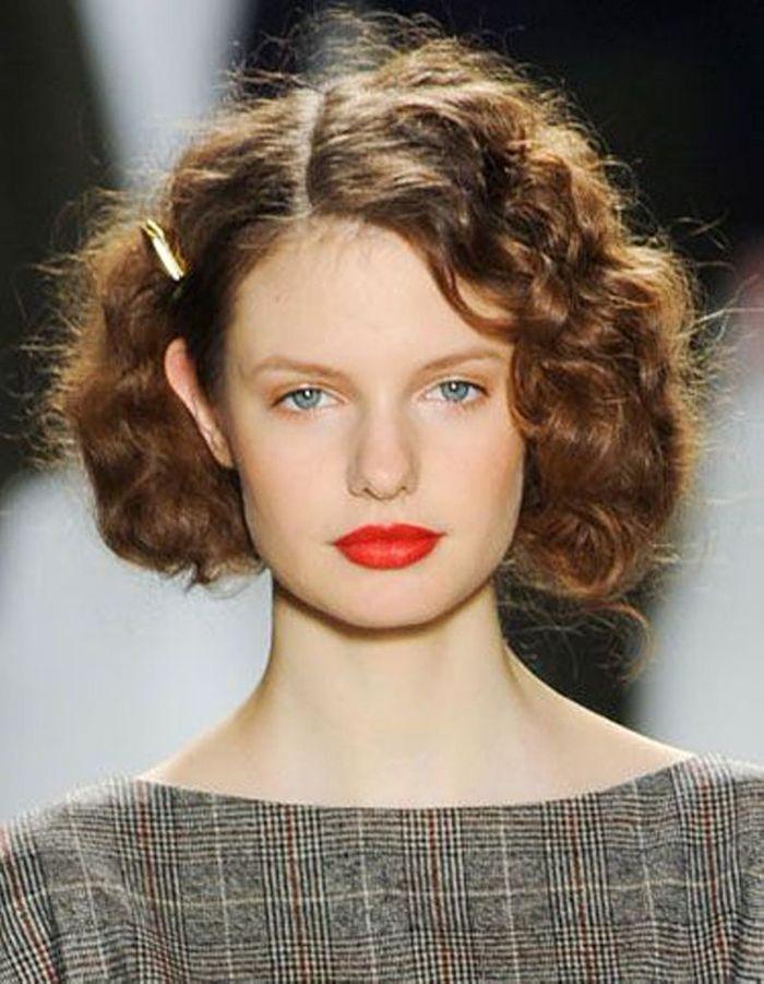 Coiffure Cheveux Frisu00e9s Simple - Cheveux Frisu00e9s  Nos Plus Jolies Idu00e9es Pour Les Coiffer - Elle