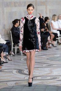 Défilé Giambattista Valli Haute Couture Automne-Hiver 2017-2018