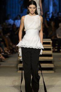 Défilé Givenchy Prêt à porter Printemps-Été 2016