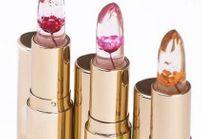 Voici le rouge à lèvres surprenant qui est offert dans le sac cadeau des Oscars