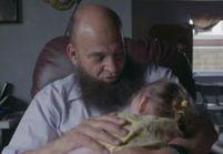 La belle histoire de cet homme qui adopte des enfants mourants pour leur offrir de l'amour